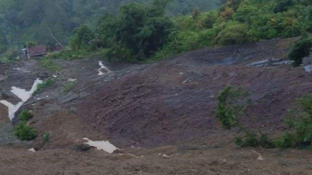 Tambang emas ilegal runtuh di Solok Selatan, Sumatera Barat. Sembilan orang tewas tertimbun, Sabtu 18 April 2020. (Dok. Polres Solok Selatan)