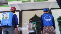Tim Tagana Banten Melakukan Penyemprotan Disinfektan di Tempat Ibadah
