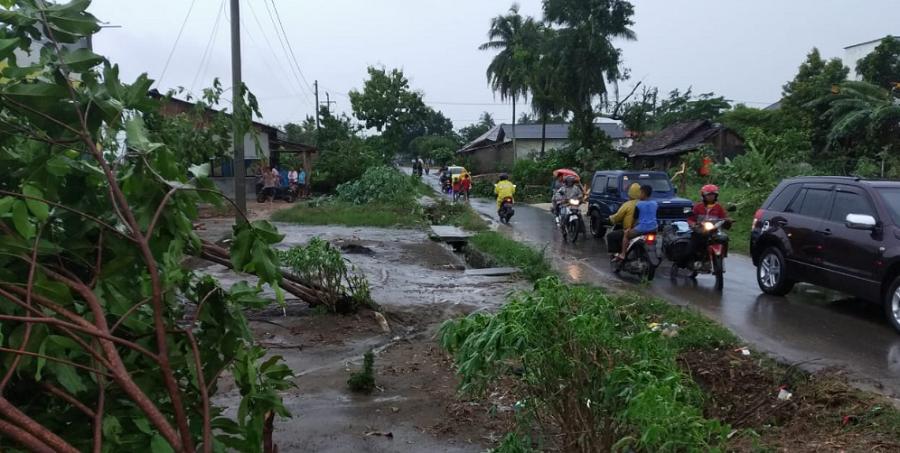 Bencana angin puting beliung yang terjadi di Kabupaten Tulang Bawang