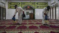 Dewan Masjid Indonesia (DMI) DKI Jakarta kembali menyerukan pembatasan aktivitas di masjid guna mencegah penyebaran virus corona. (Ilustrasi Foto: Antaranews)