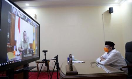 Gubernur Banten Wahidin Halim saat melakukan rapat terkait program pencegahan korupsi terintegrasi Provinsi Banten
