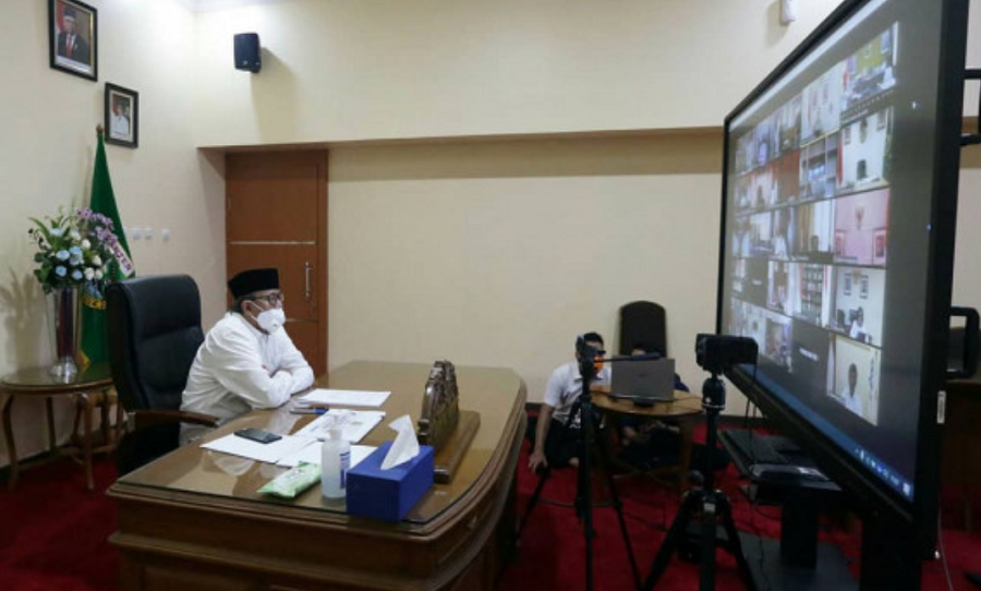 Gubernur Banten Wahidin Halim saat teleconference Evaluasi PSBB Tangerang Raya