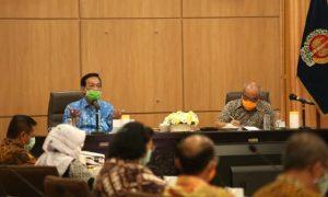 Gubernur DIY, Sri Sultan Hamengku Buwono X memimpin rapat pembahasan SOP New Normal. (Foto: Humasda DIY)