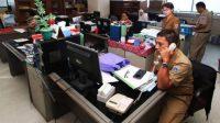 Ilustrasi: Rutinitas pekerjaan PNS di kantor pemerintahan. (Foto: Katadata.co.id)