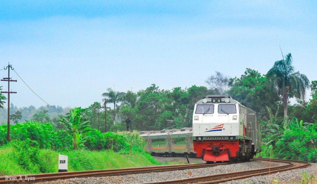 KAI kembali mengubah jadwal Kereta Luar Biasa setelah di evaluasi. (Foto: Irvan A Ilyas)