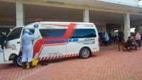 Mobil bantuan dari BNPB saat melakukan swab di GOR Pancasila Surabaya