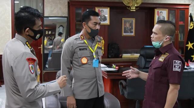 Nazaruddin Dek Gam saat bertemu Kapolda Aceh