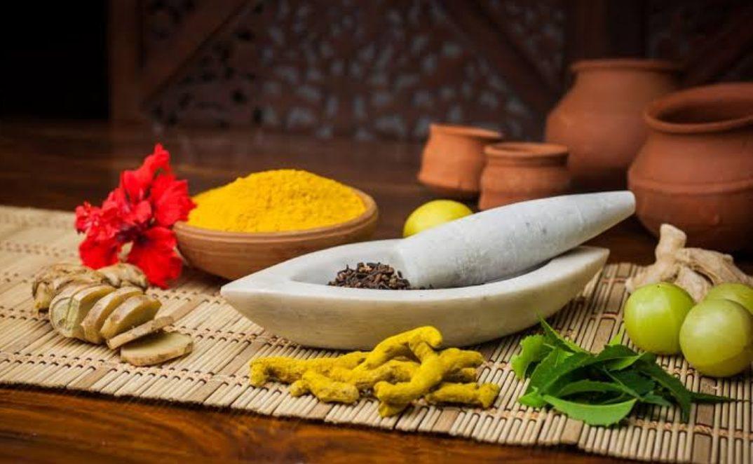 Obat Tradisional yang Umum Dikonsumsi Orang Indonesia. (Ilustrasi: Halosehat.com)