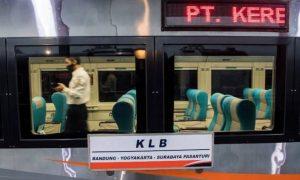PT KAI menjalankan KLB, sesuai dengan intruksi pemerintah. (Foto: Antara)
