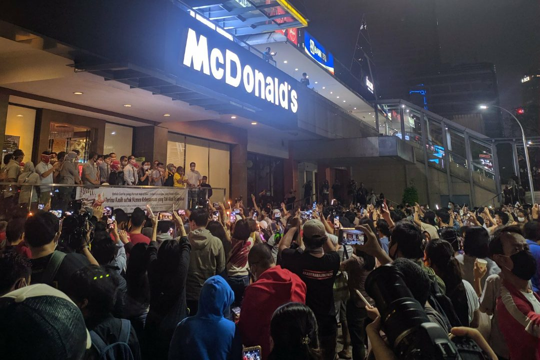 Penutupan gerai McDonalds menjadi kontroversi ditengah berlakunya PSBB di DKI Jakarta. (Foto: Ist)