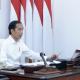 Presiden Joko Widodo memimpin rapat terbatas mengenai persiapan pelaksanaan Protokol Tatanan Normal Baru Produktif dan Aman Covid-19 melalui telekonferensi dari Istana Merdeka