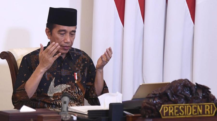 Presiden Jokowi Menyerahkan Zakat secara Online Ke Baznas