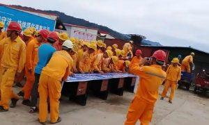 Ratusan Karyawan Asing PT Sinima Engineering, Jember dipulangkan. (Cuplikan Youtube PT Sinoma).