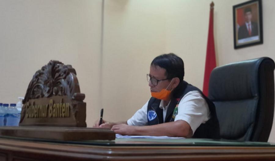 Gubernur Banten Wahidin Halim dalam Rapat Evaluasi Koordinator Gugus Tugas Percepatan Penanganan covid-19 Provinsi Banten