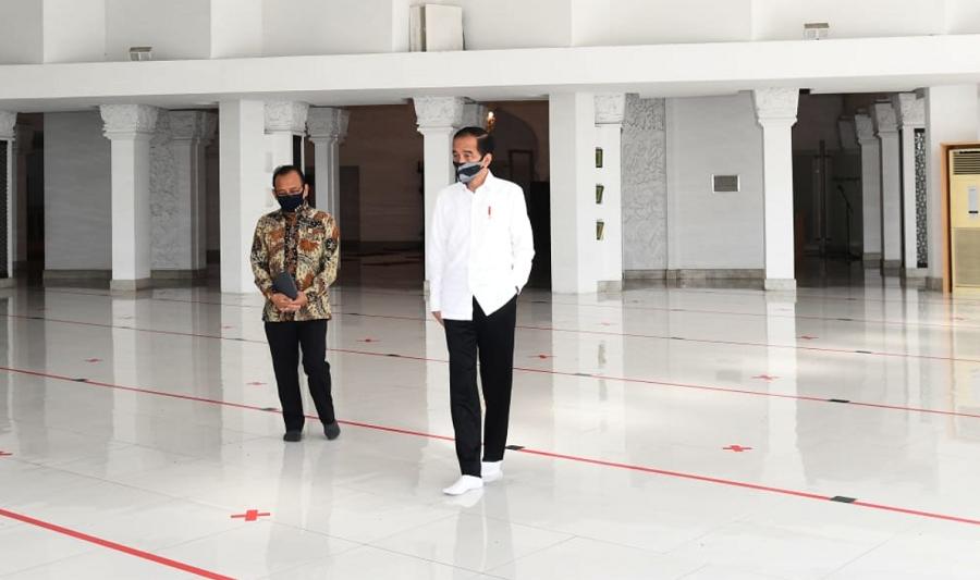 Presiden Jokowi Tinjau Kesiapan Prosedur Kenormalan Baru di Masjid Baiturrahim