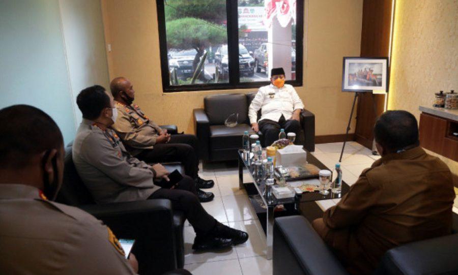 Gubernur Banten saat melakukan Pertemuan dengan 3 Kapolres