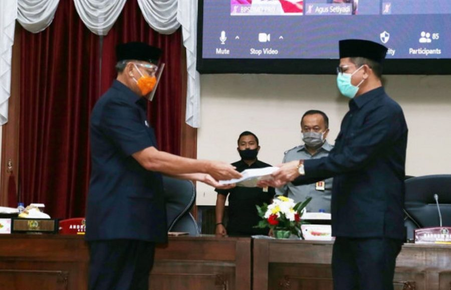 Rapat Paripurna DPRD Provinsi Banten dengan agenda Penyampaian Nota Pengantar Rancangan Peraturan Daerah Tentang APBD