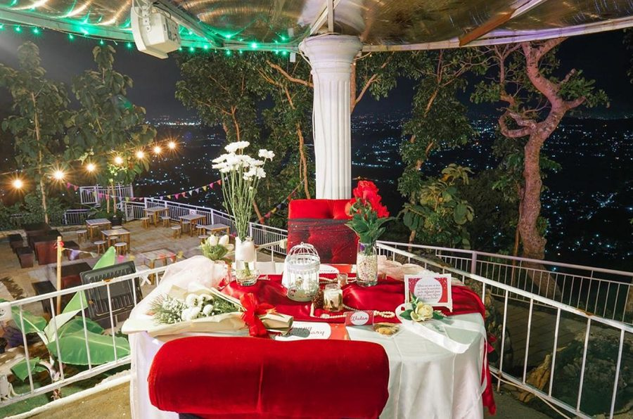 Harga paket Couple Romantic Dinner di De Mangol Jogja