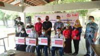PT HK Beri Bantuan Gadget ke Siswa dan Guru di Tubaba