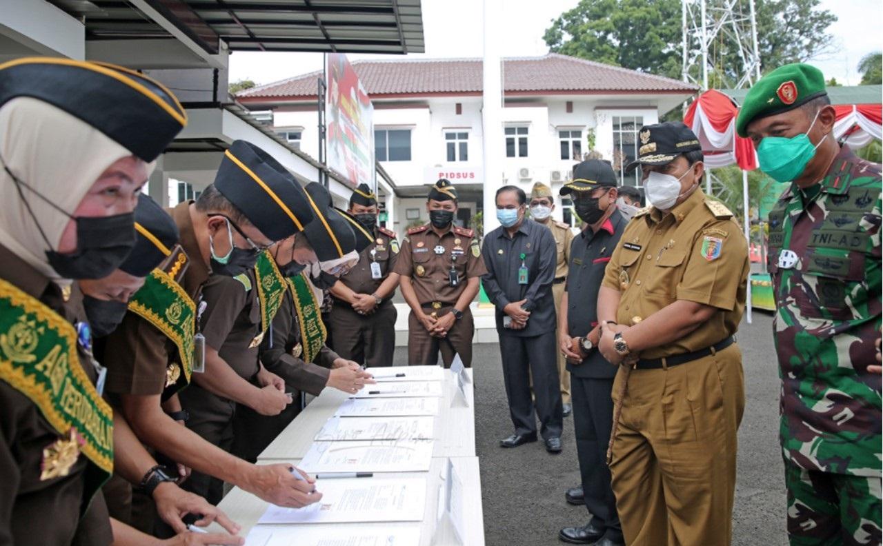 Gubernur Lampung Arinal Djunaidi hadir dalam apel deklarasi pencanangan zona integritas