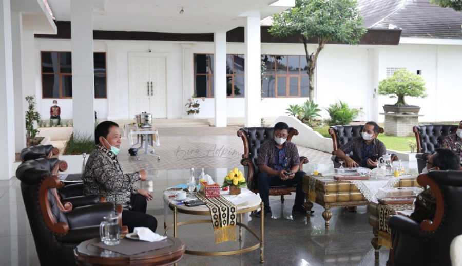 Gubernur Lampung Arinal Djunaidi menerima audiensi dari GM PT PLN