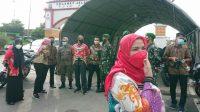 Wali Kota Bandar Lampung Eva Dwiana di Posko Penyekatan Perbatasan di Wilayah Bandar Lampung