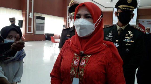 Wali Kota Bandar Lampung Eva Dwiana mengikuti upacara Peringatan Hari Lahir Pancasila