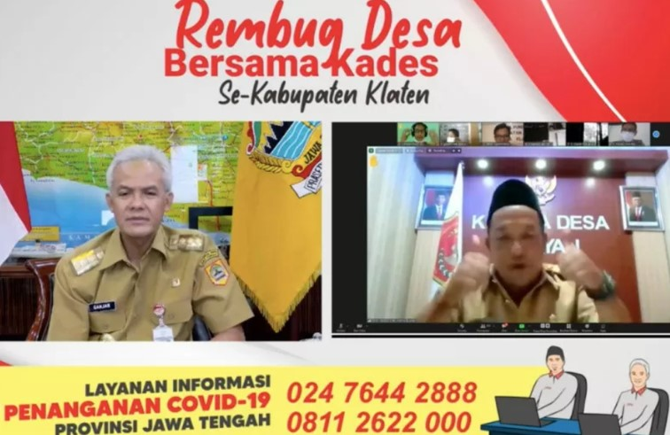 Kades Tijayan Joko Laksono mengadukan data bansos kepada Gubernur Jateng Ganjar Pranowo dalam acara Rembug Desa se-Kabupaten Klaten secara daring