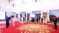 Presiden Joko Widodo melantik pasangan Sahbirin Noor dan Muhiddin sebagai Gubernur dan Wakil Gubernur Kalimantan Selatan terpilih masa jabatan tahun 2021-2024 di Istana Negara