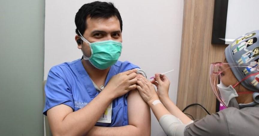 Vaksinasi Booster diperuntukan untuk tenaga kesehatan