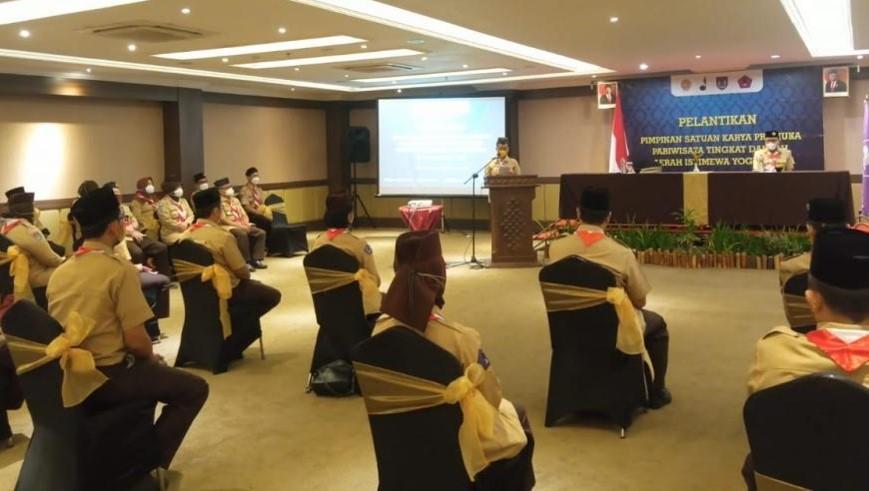 Ka Kwarda DIY Kak GKR Mangkubumi mengukuhkan Pimpinan Satuan Karya Pramuka Pariwisata tingkat Daerah masa bakti 2021-2025