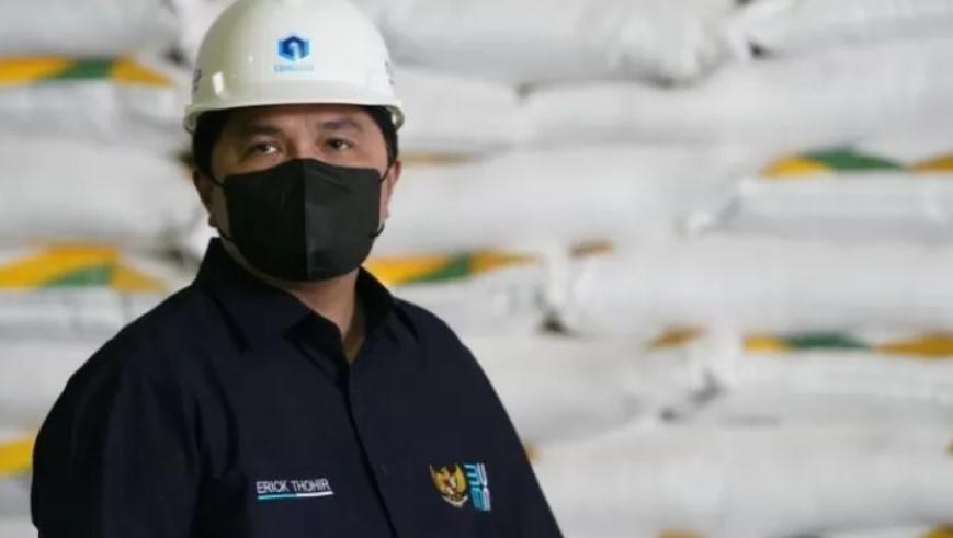 Menteri BUMN Erick Thohir saat meninjau PT Industri Gula Glenmore (IGG) yang dikelola PT Perkebunan Nusantara XII yang terletak di Desa Karang Harjo, Kecamatan Glenmore, Kabupaten Banyuwangi