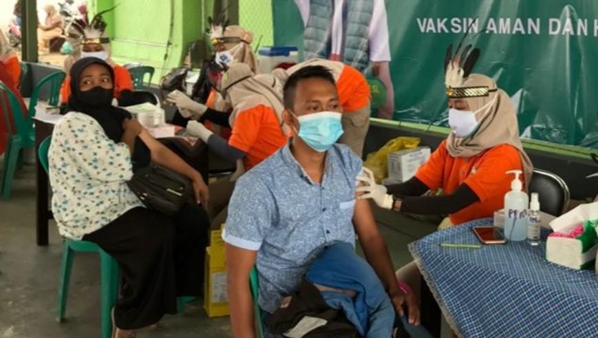 sosialisasi haji sehat dan vaksinasi COVID-19 di Pondok Pesantren Nurul Islam Kabupaten Jember